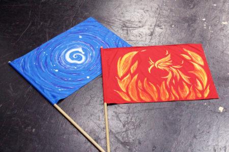 アカとアオの旗