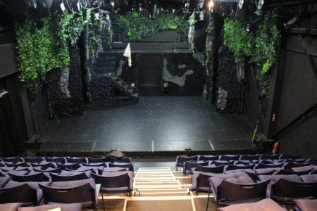 劇場、客席と
